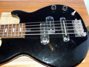 Yamaha_bass